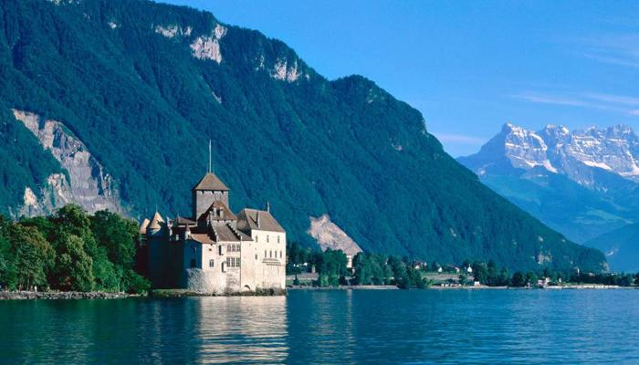Chateau-de-chillon-(Switzerland)