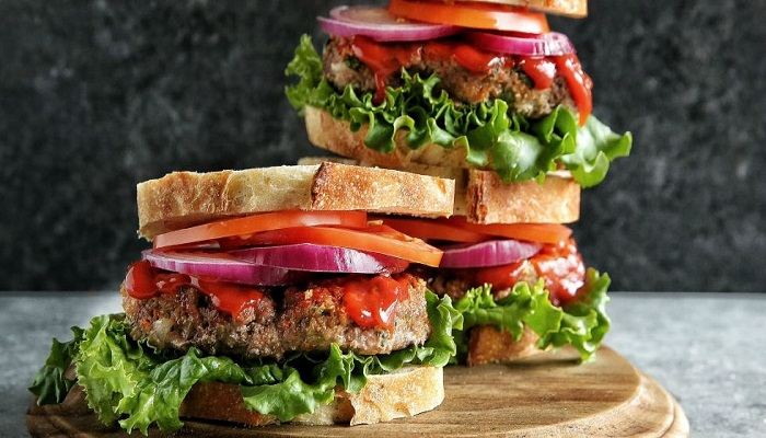 meatloaf-sandwich-with-sriracha-ketchup-Netmarkers