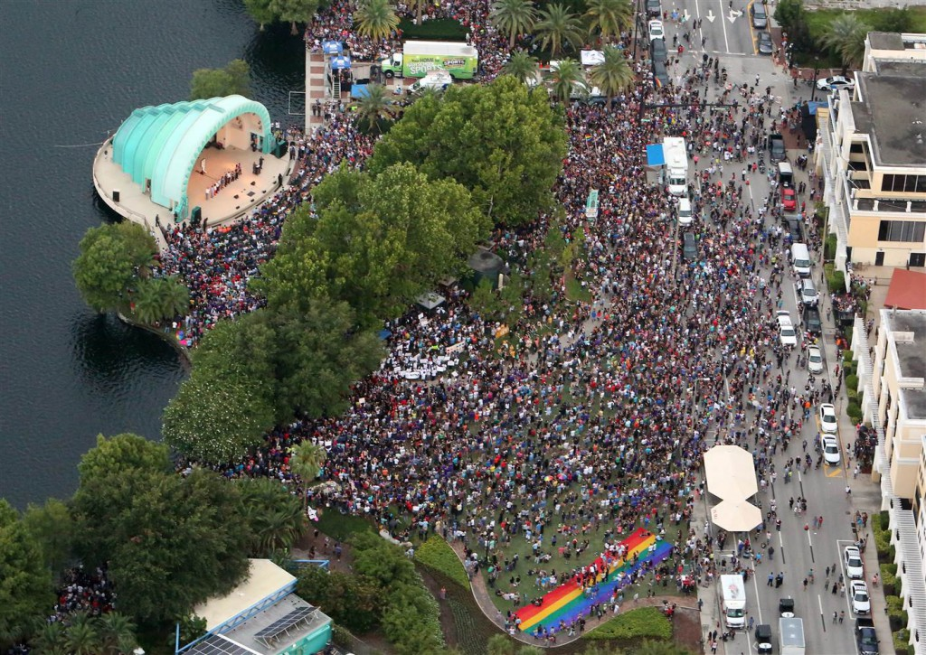 50,000 people gathered to remember victims of Orlando Shooting- Netmarkers
