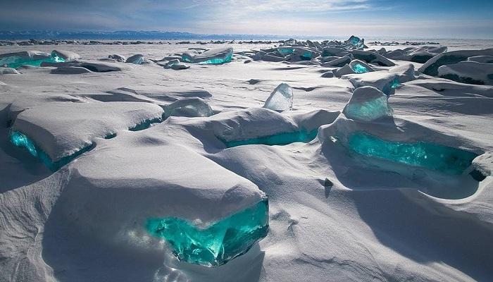 emerald-ice-baikal-lake-russia-netmarkers