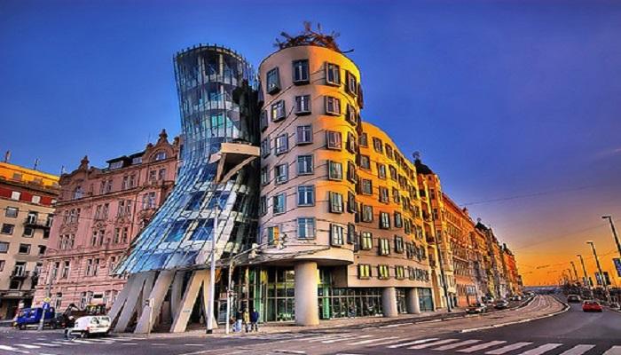 the-dancing-building-in-czech-republic-netmarkers