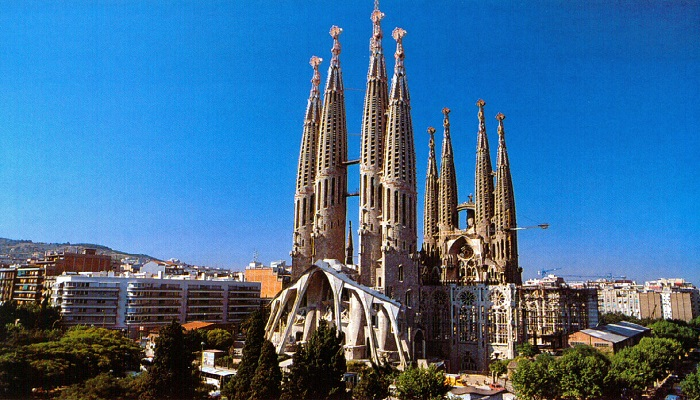 sagrada-familia-barcelona-spain-netmarkers