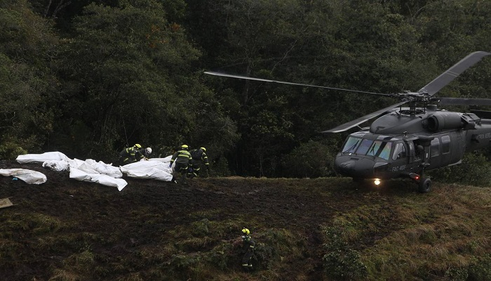 rescue-workers-transferred-bodies-of-the-victims-of-the-plane-crash-netmarkers