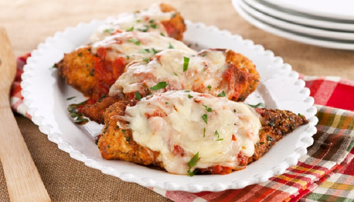 Crispy Chicken Parmesan with Mozzarella and Tomatoes Recipe-Netmarkers