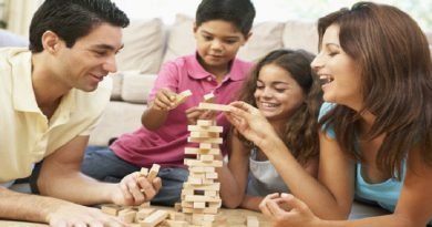 Parent-and-children-enjoy-with-each-other-Netmarkers
