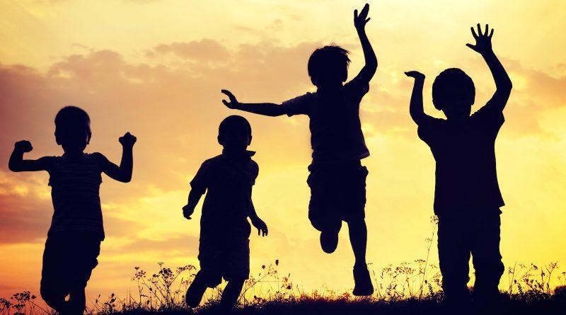 children-playing-Netmarkers