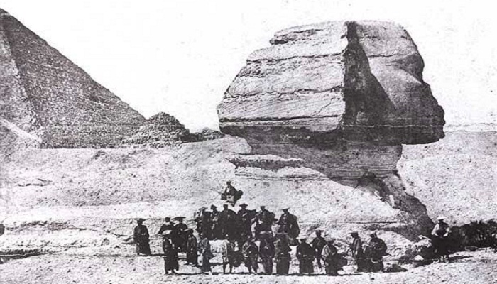 Japanese-went-to-see-the-Sphinx-Netmarkers