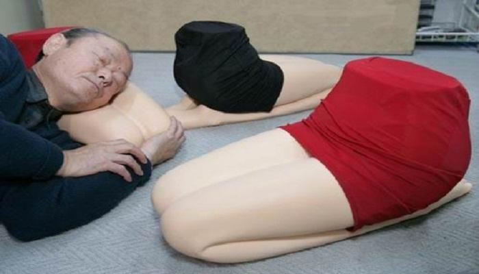 Girlfriend's-Lap-Pillow-Netmarkers