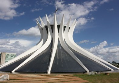 World's Top Iconic Buildings That You Must Visit For Lifetime Experience