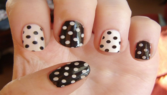 Metallic dots nail art-Netmarkers