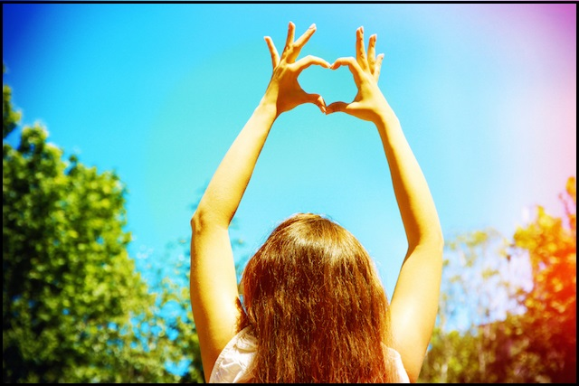 10 Signs Showing You Are A Strong Woman - Love Unconditionally - NetMarkers