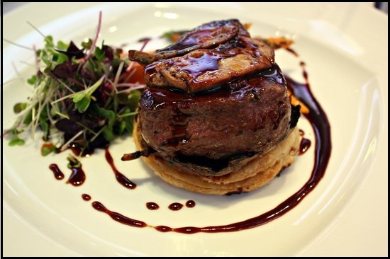 10 Traditional Food To Try In London - Beef-Wellington - NetMarkers
