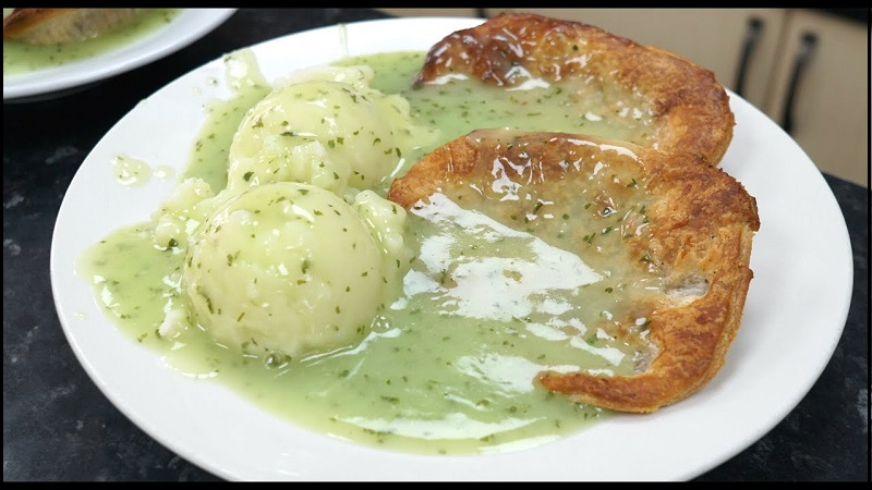 10 Traditional Food To Try In London - Pie-And-Mash - NetMarkers