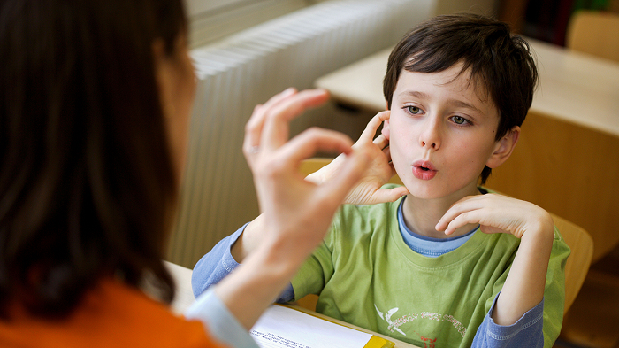 10 Common Child Behavioral Problems You Should Understand-Stammering-NetMarkers