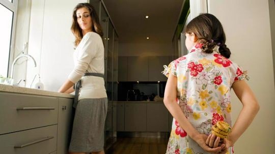 10-Common-Child-Behavioral-Problems-You-Should-Understand-Stealing-NetMarkers