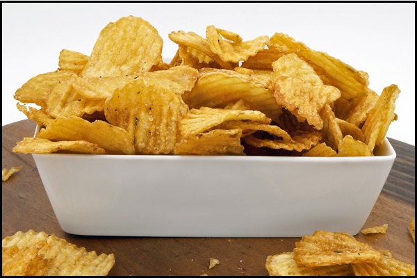 10 Food Items That You Must Avoid Giving Your Children - Potato Chips - NetMarkers
