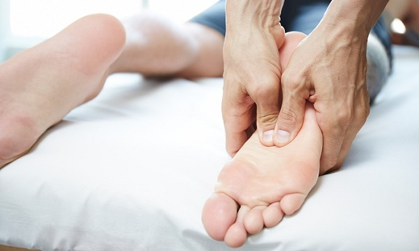 10 Tricks To Get Instantly Energized-Foot Massage-NetMarkers